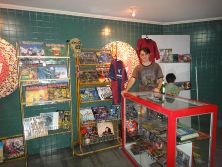 Fernando Bueno, dono da coleção, no Tributo ao Iron Maiden no SESC - Porto Velho