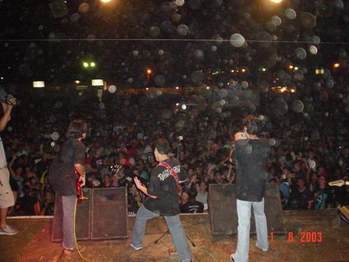 DOGMA no Madeira Festival 2003. (Foto: fotolog.com/dogma)